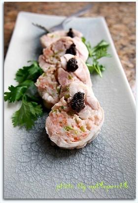 香葱蝦肉釀雞卷